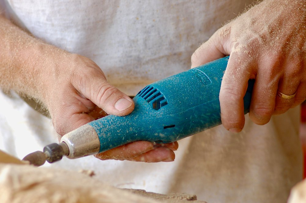Woodwork with a rotary saw